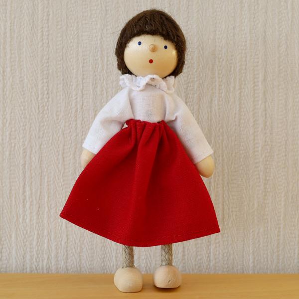 お母さん・スカート赤
